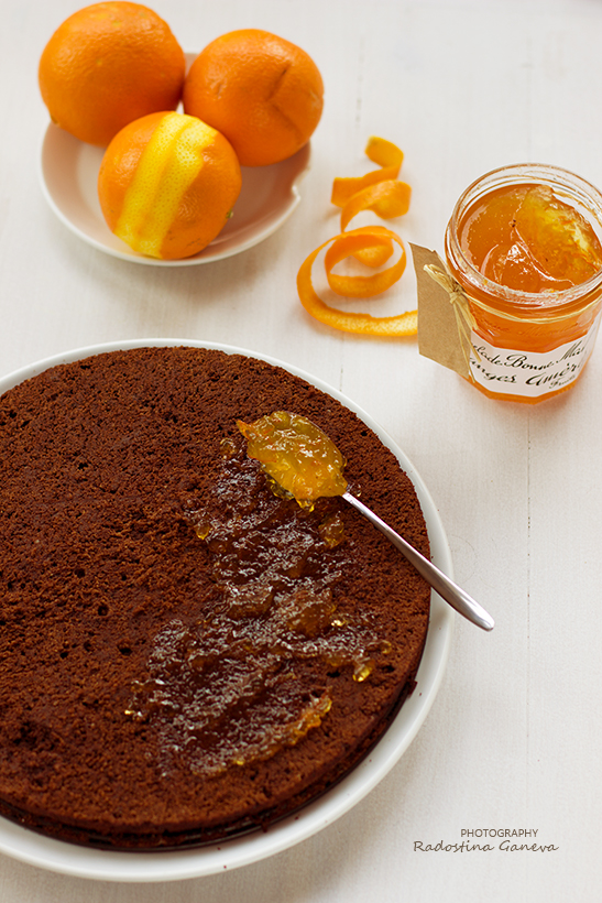 Chocolate cake with orange filling