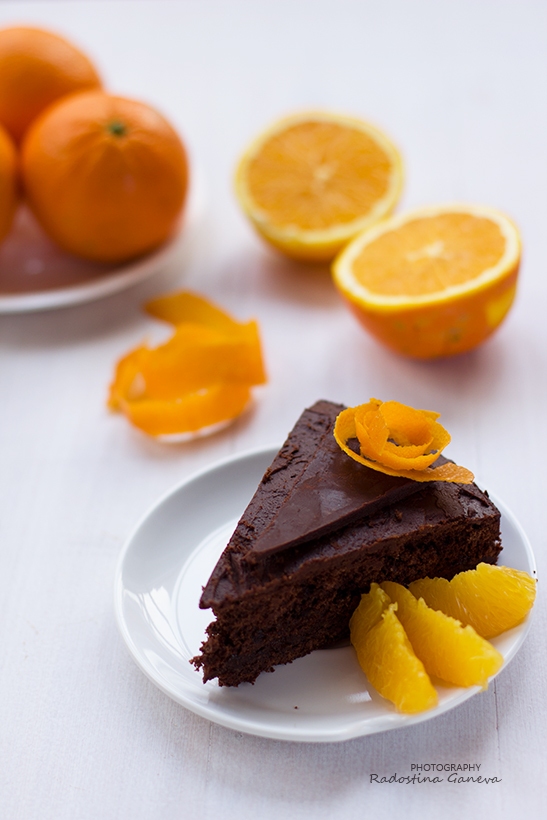 Chocolate cake with orange filling