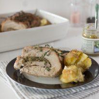 Свинско филе с праскови и мащерка, рецепта Джейми Оливър