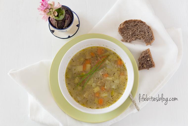 Зеленчукова супа с булгур и амарант
