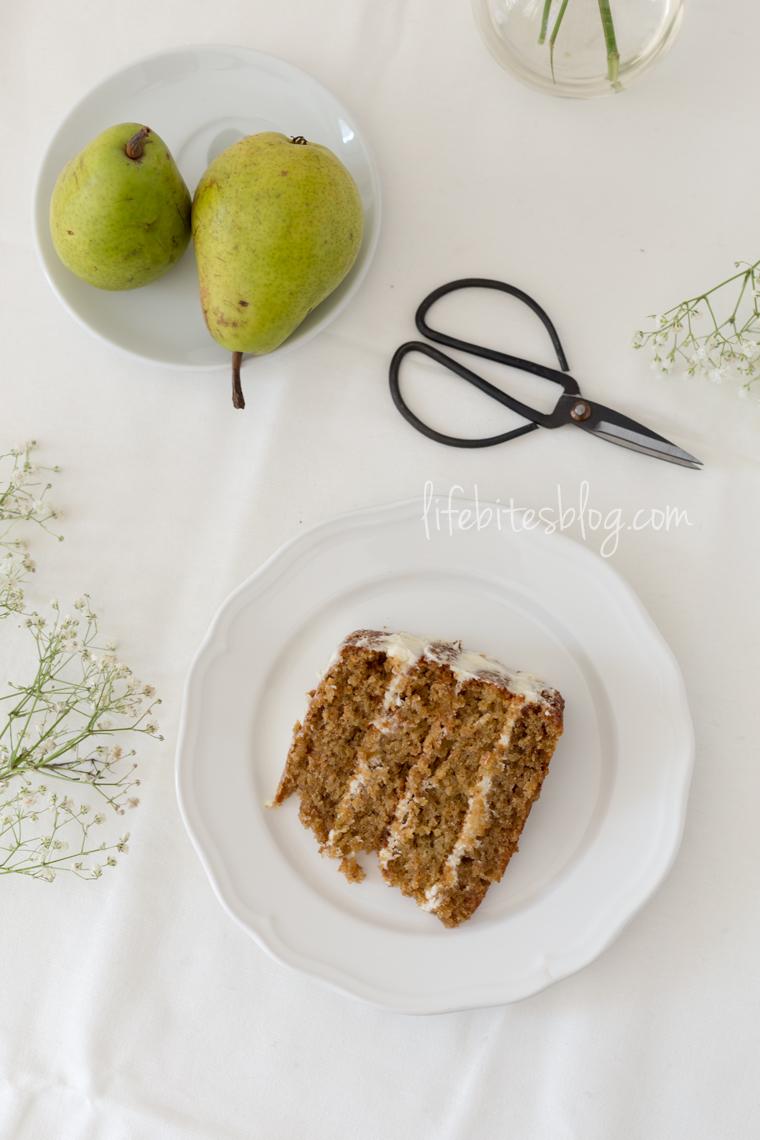 Торта с круши и кардамон