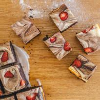 Мраморно брауни с ягоди